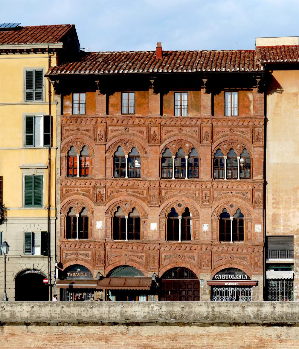 Facciata Palazzo Agostini Venerosi della Seta