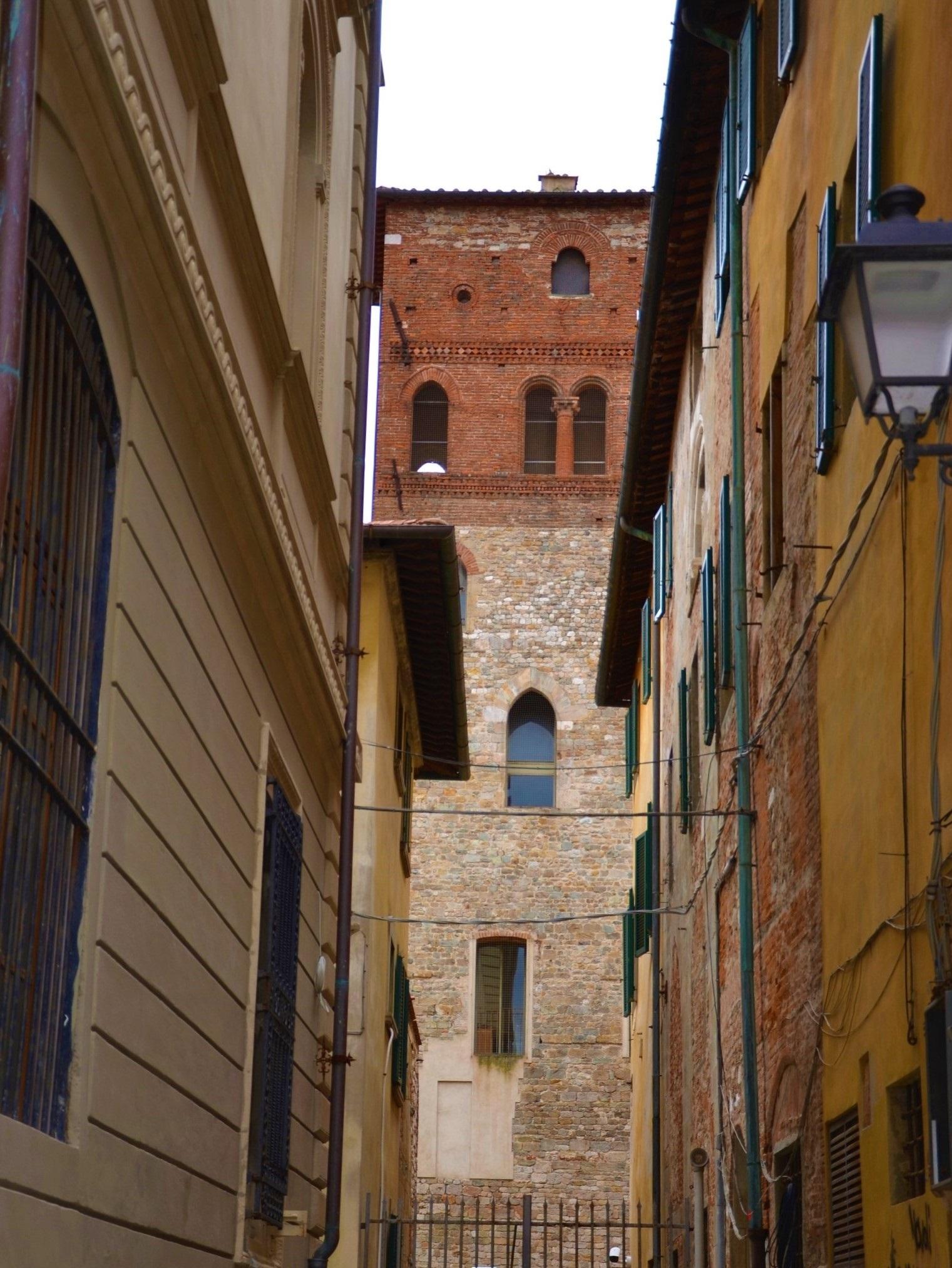Vista su Casa torre Lanfreducci (L. Corevi, Comune di Pisa)