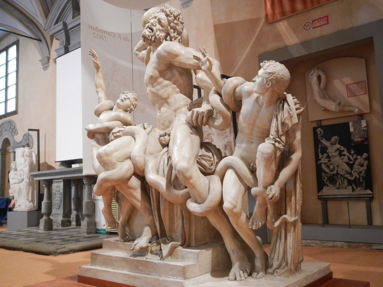 Riproduzione gruppo scultoreo _ Lacoonte della gipsoteca di Pisa ( Gipsoteca di Arte antica)