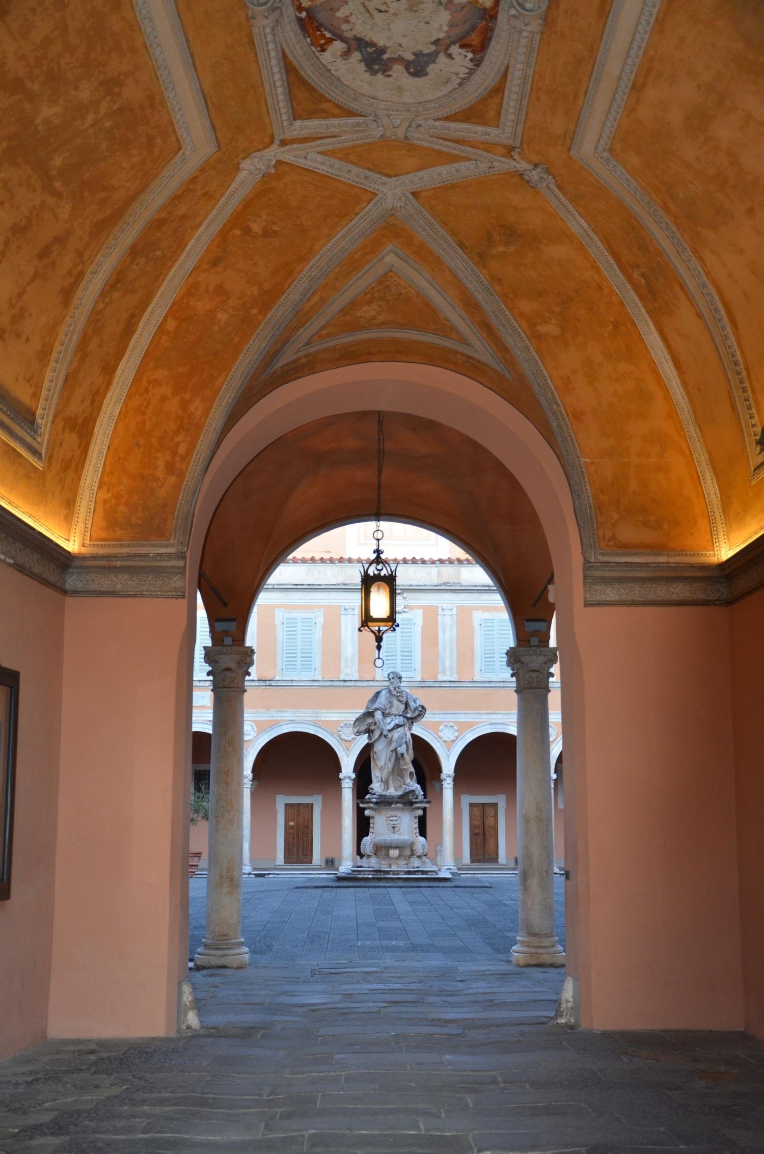 Ingresso palazzo Arcivescovile (L. Corevi, Comune di Pisa)