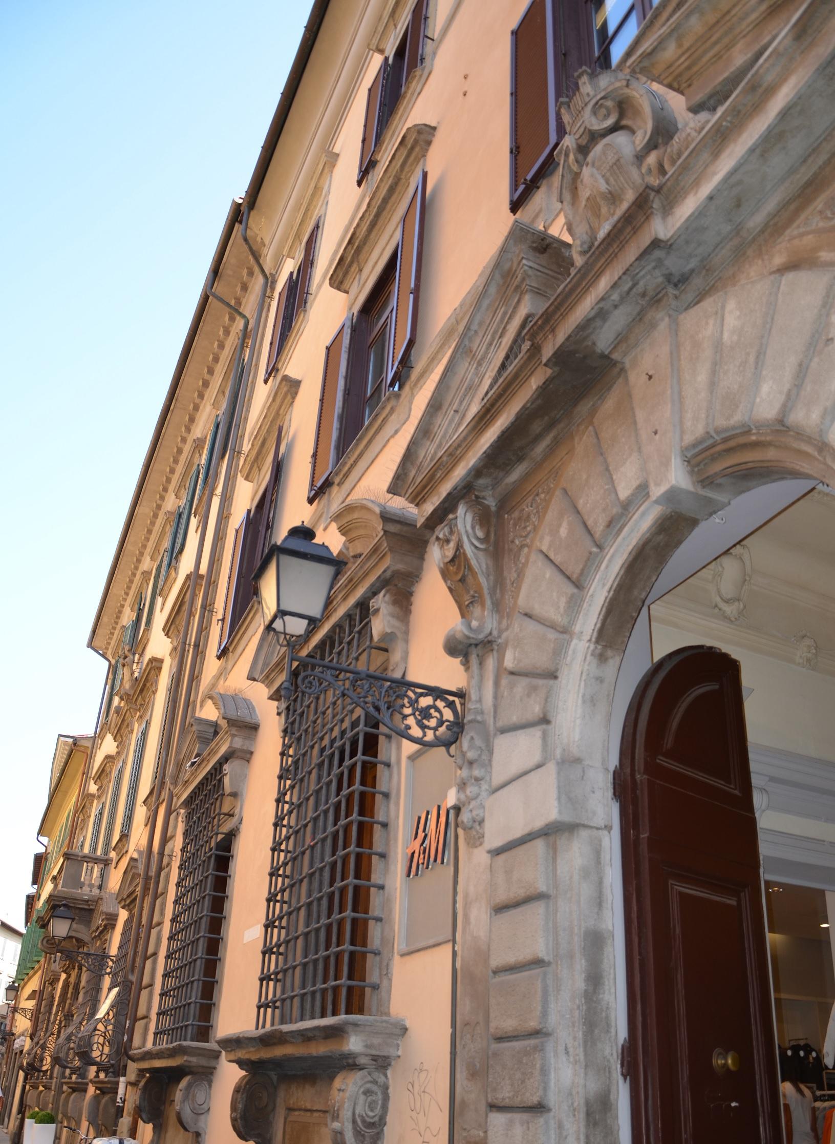 Particolari palazzo Vincenti (L. Corevi, Comune di Pisa)