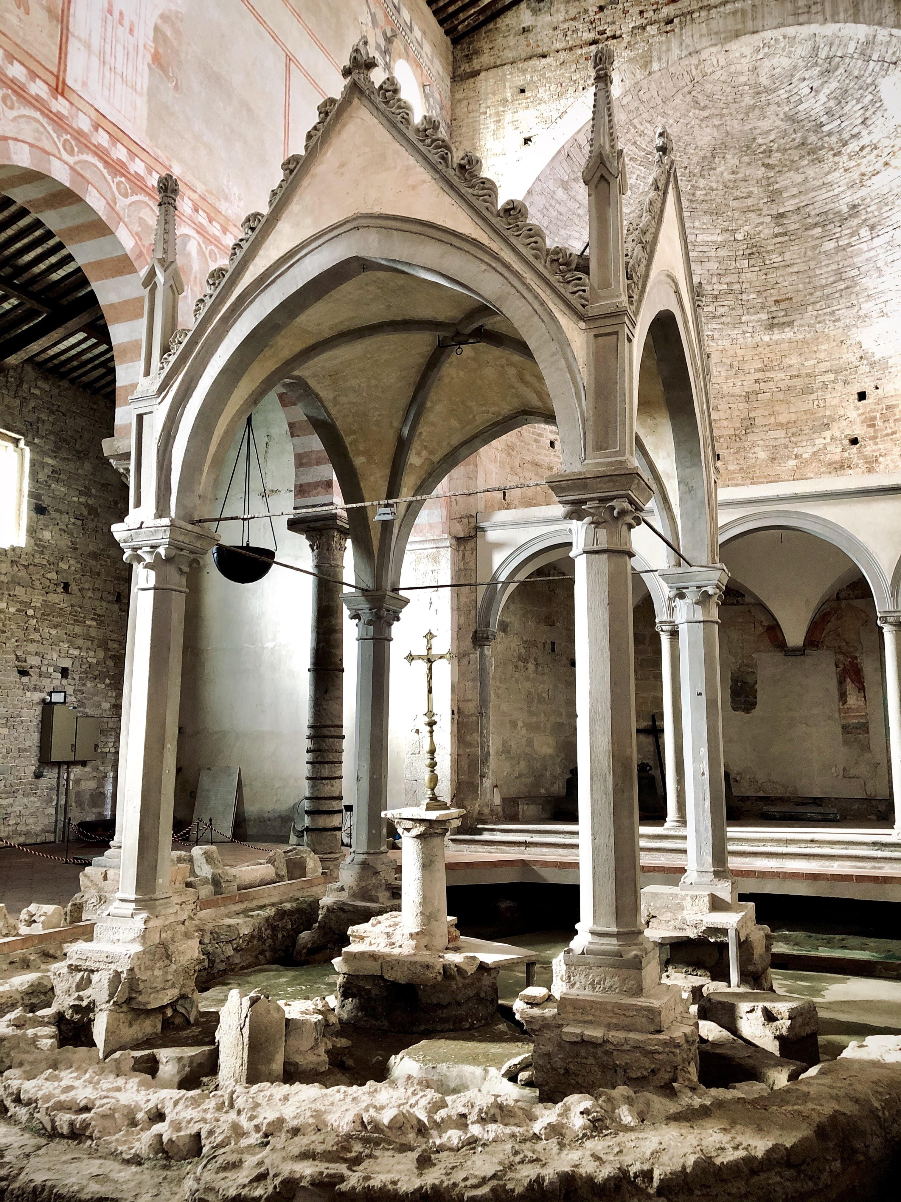 Ciborio, interno Basilica di San Piero a Grado (G. Bettini, Comune di Pisa)