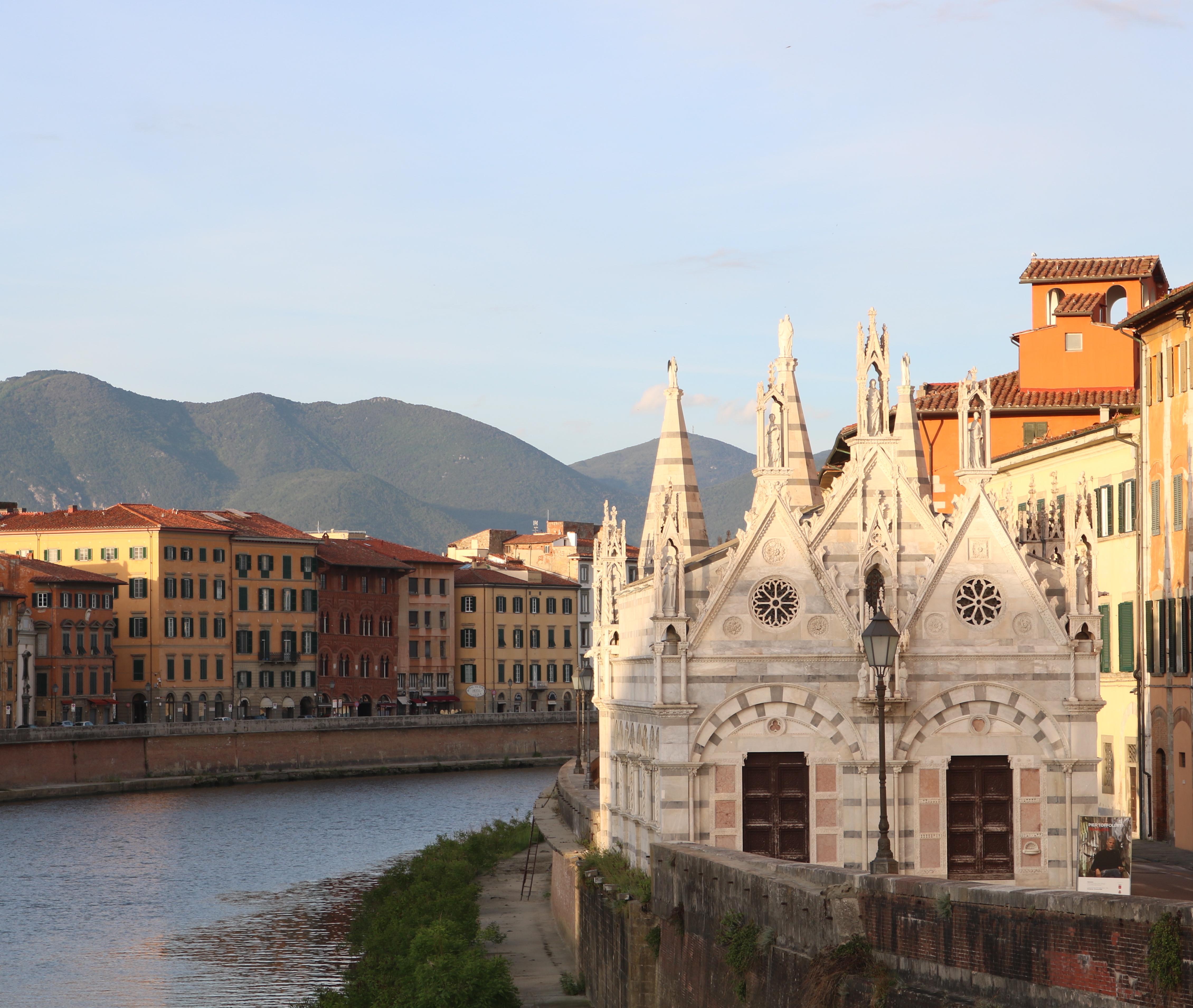 Facciata Chiesa di Santa Maria della Spina e Lungarno (A. Matteucci)