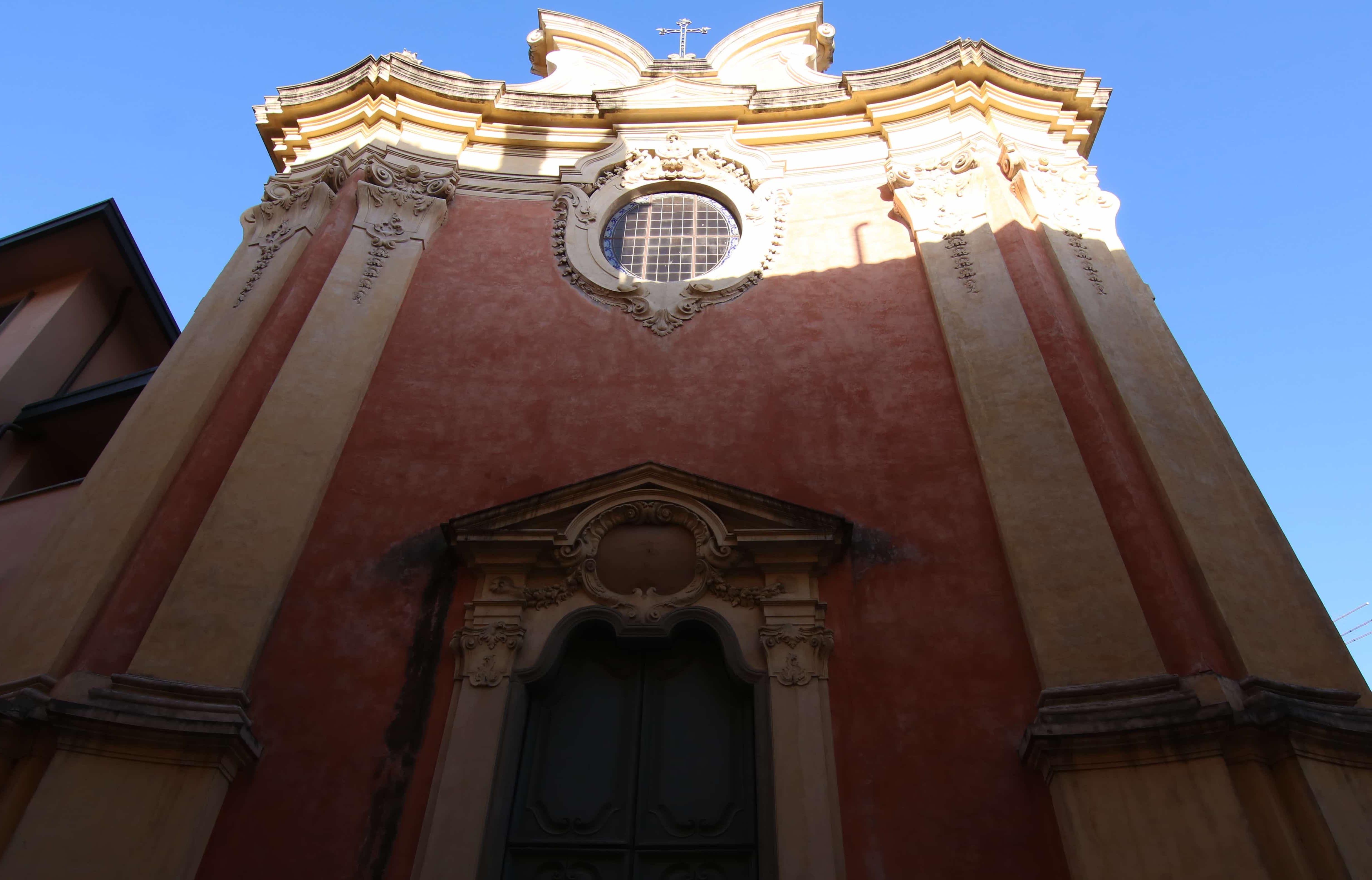 Facciata dal basso- Chiesa di Sant'Apollonia (A. Matteucci)