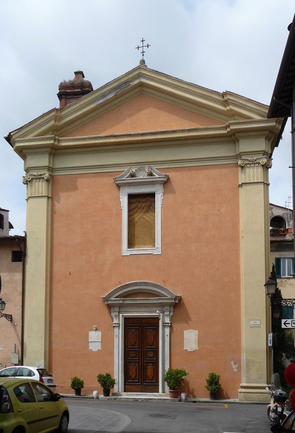 Facciata  - Chiesa S. Giuseppe (Lucarelli, wikimediacommons)