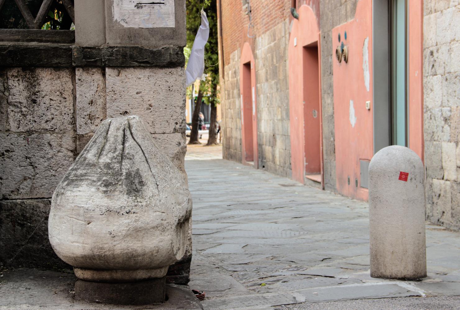 Cippo etrusco piriforme reimpiego antico _ Via San. Martino(G. Bettini, Comune di Pisa)