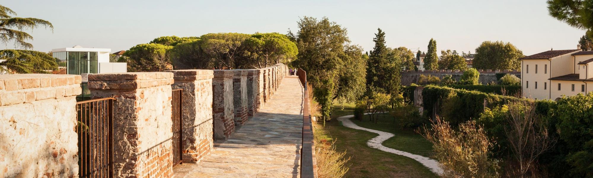 Camminamento sulle mura (Le Mura, www.muradipisa.it)