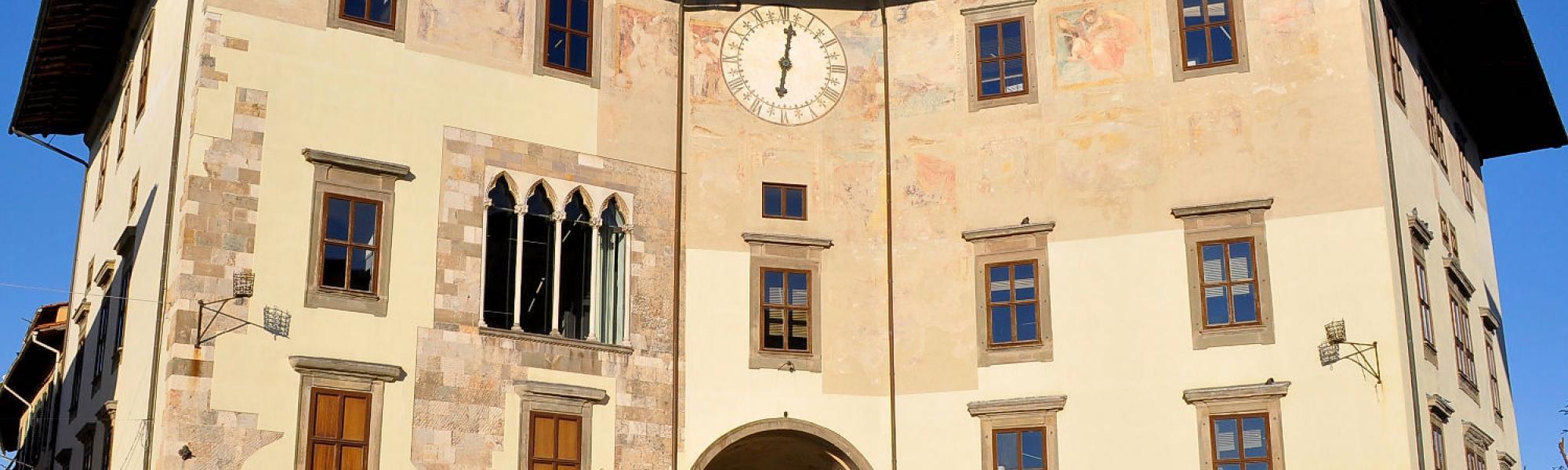 Piazza dei Cavalieri - Palazzo dell'orologio