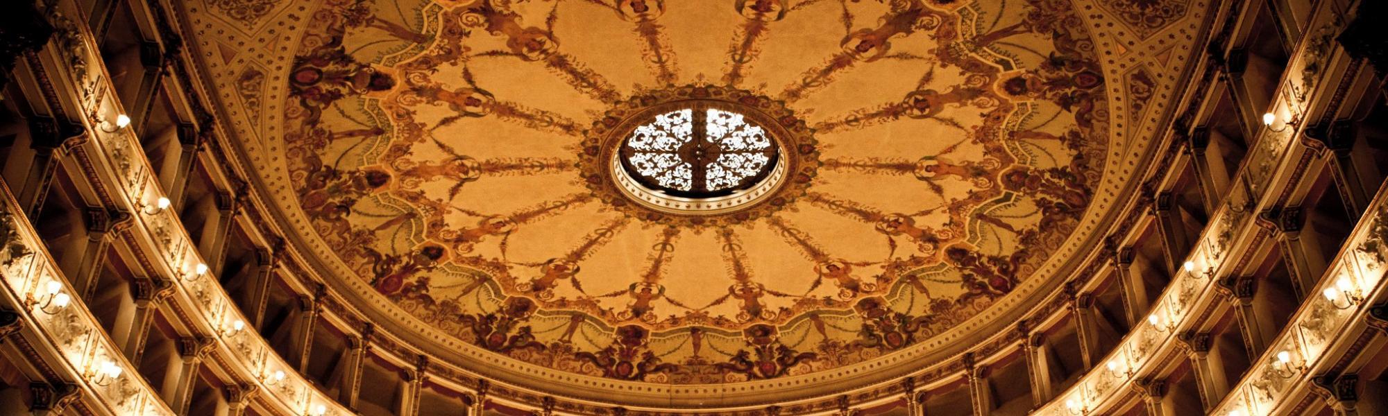 Interno, decorazione soffitto - Teatro Verdi (M. D'Amato)