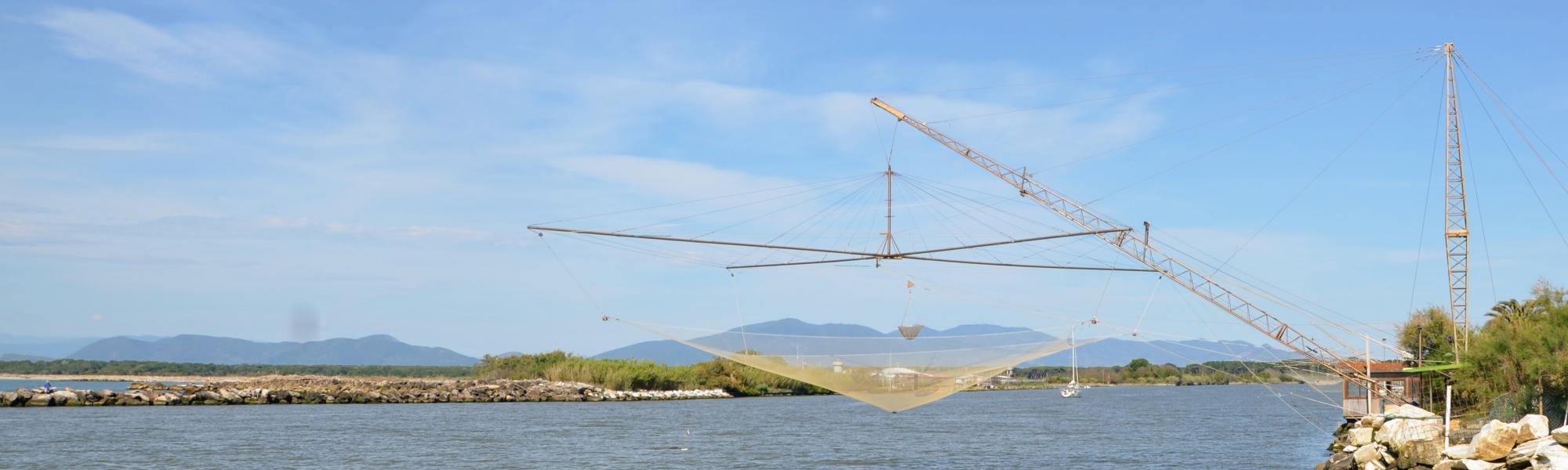 Le reti per la pesca prima della foce dell'Arno (R. Cardini)