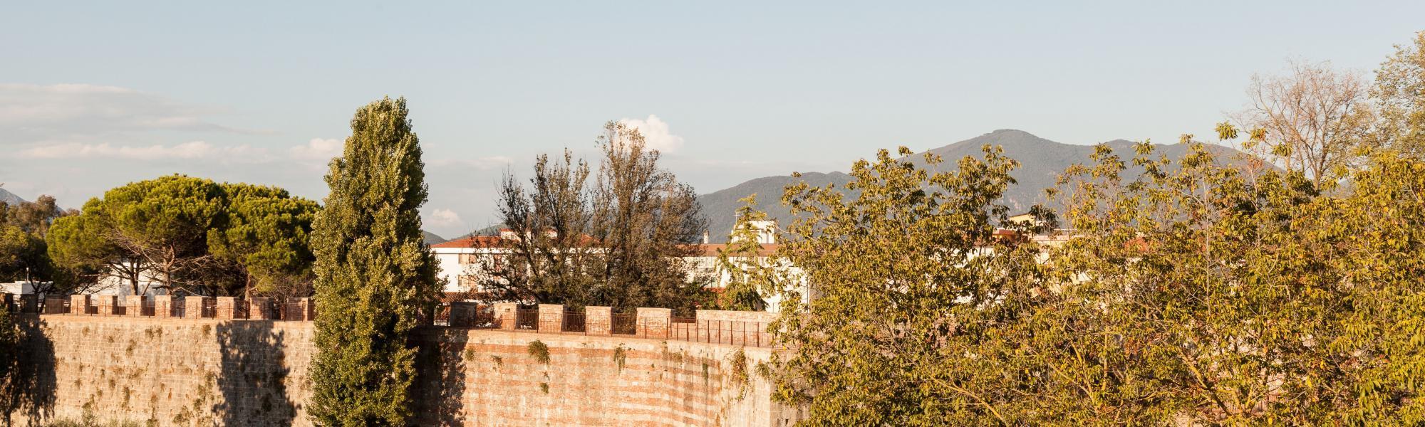 Le mura di Pisa ( da Mura di Pisa, www.muradipisa.it)