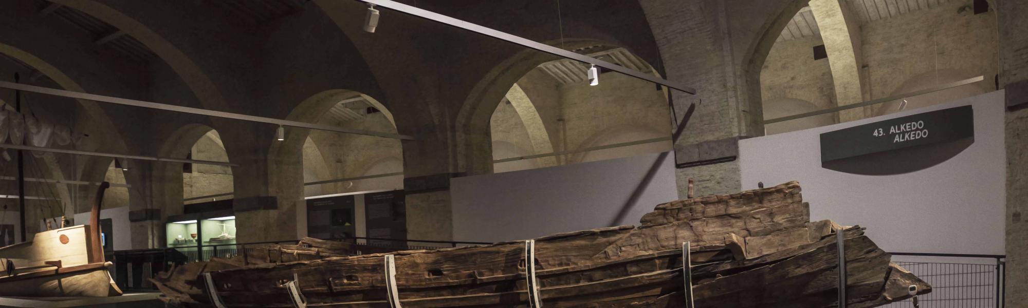Una delle navi restaurate (Museo Navi Romane)