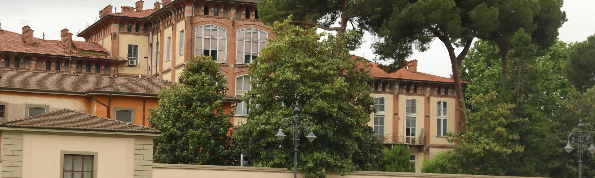 Ospedale di Santa Chiara dalla piazza del Duomo (A. Matteucci)