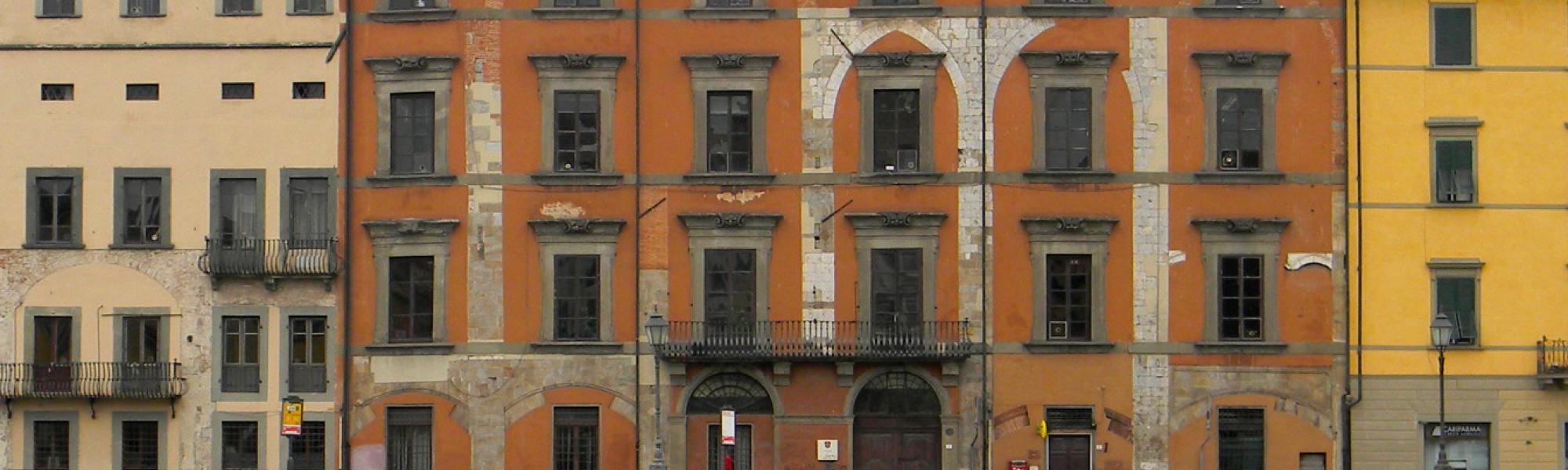 Facciata sul Lungarno - Palazzo Mosca (M. Febbraro)