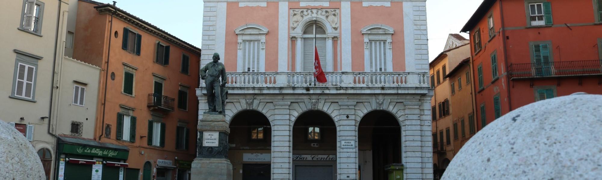 Piazza Garibaldi da Ponte di Mezzo (A. Matteucci)