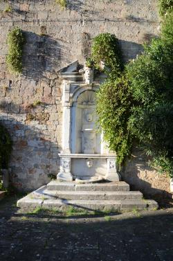 Fontana di Piazza delle Gondole (L. Corevi, Comune di Pisa)