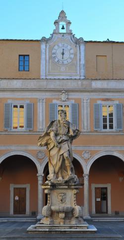 Statua raffigurante Mosè, A. Vaccà, XVIII secolo - Palazzo dell'Arcivescovado (F. Anichini)