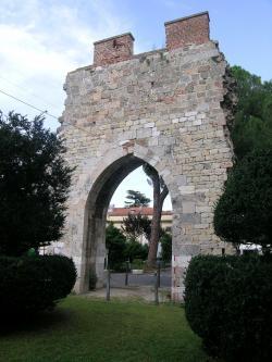 Porta Buoza - Complesso dell'Ospedale Santa Chiara (G. Gattiglia)
