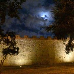 Mura di notte