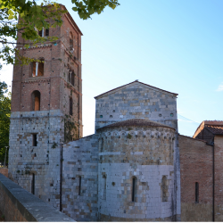 Abside e campanile - Chiesa S. Michele degli Scalzi (L. Corevi, Comune di Pisa)