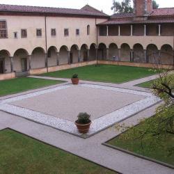 Convento di S. Croce in Fossabanda, il chiostro interno (da http://www.listaippocrate.it)