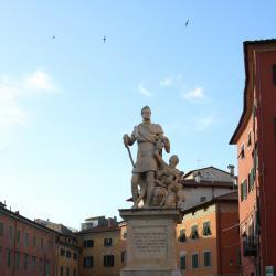Veduta dal basso_ Piazza Carrara (A. Matteucci)