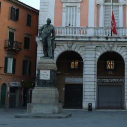 Monumento a Garibaldi - Piazza Garibaldi